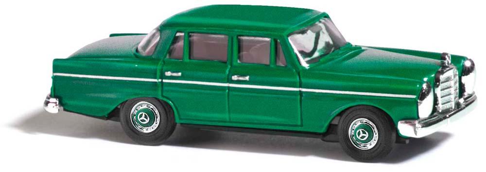 busch modellbau automodelle spiel und bastelmaterial mercedes benz 220 gr n artikel nr. Black Bedroom Furniture Sets. Home Design Ideas